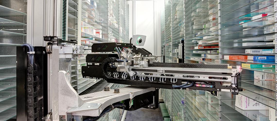 In unserer Apotheke halten wir für Sie ca. 13.000 Packungen bereit. Durch unser automatisches Warenlager erreichen wir eine hohe Lieferfähigkeit von über 90%.